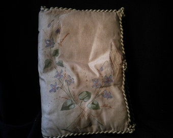 x Hand painted antique lingerie holder or hanky folder (FF117)
