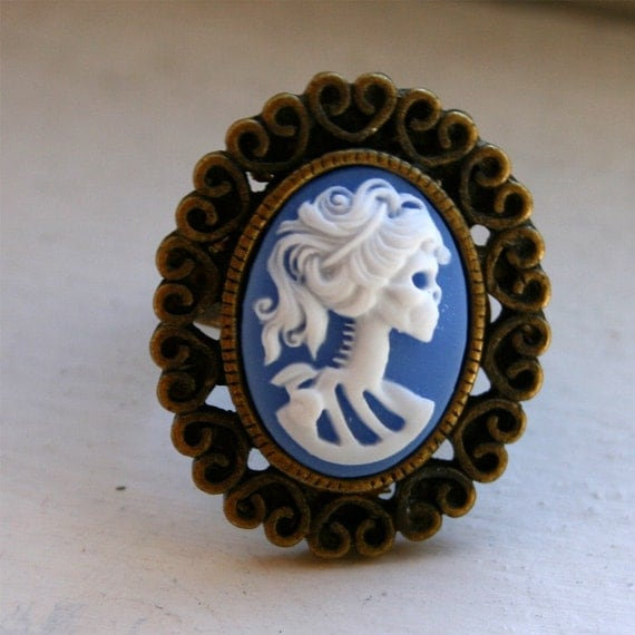Zombie Girl Ring - Ornate Blue