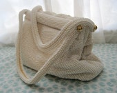 Vintage Lumured 1950s White Beaded Clam Shell Purse