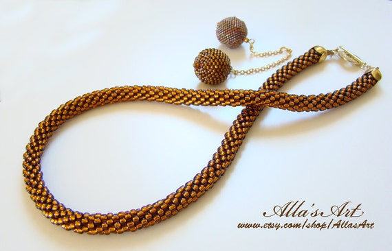 Seed bead crocheted necklace
