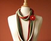 Fabric Necklace Scarf Pronta Strawberry. Handmade Cowl with Flower Pin. Red Grass Green Moss Cream