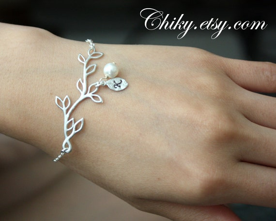 Leaf branch with pearl and initialized bracelet,Valentine, bridesmaids gifts, wedding jewelry, STERLING SILVER, personal