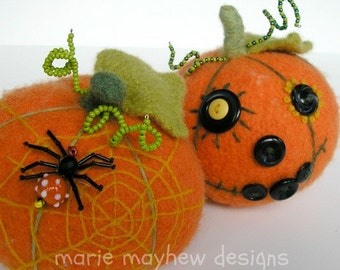 PATTERN-BOOKLET. A Knit & Felt Harvest Pumpkin Pattern