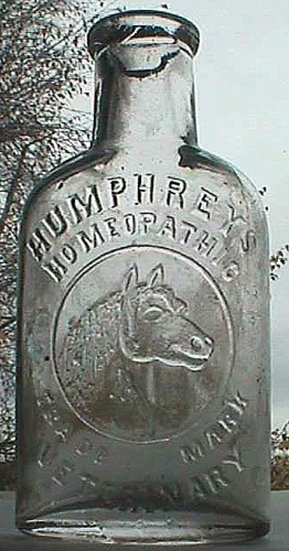 Antique HUMPHREYS VETERINARY patent medicine bottle w/ pic of HORSE