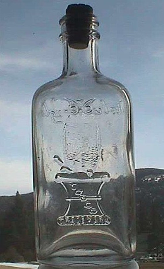 Nice looking Antique old OWL DRUG Co bottle w/ pic of owl on druggist's mortar San Francisco