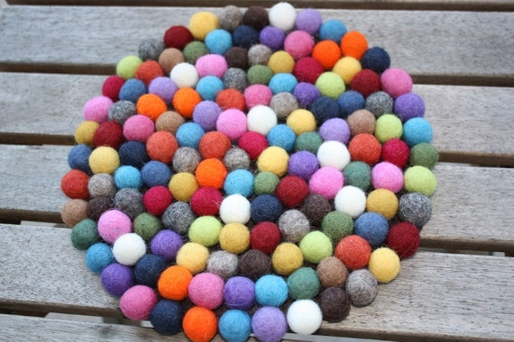 Felt ball small accent mat