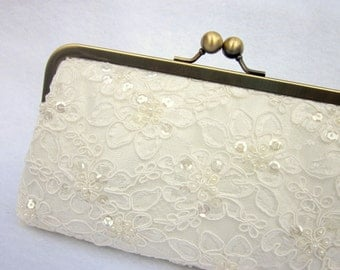 Pearl Clutch, Lace Bridal Clutch, Wedding Purse, Ivory Bridal Clutch, White Alencon Lace (Choose your color) {Pearled Pretty Kisslock}