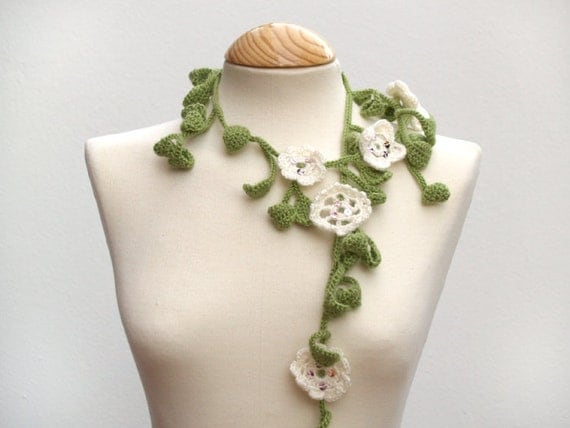 Green and white scarf - supernatural leaves