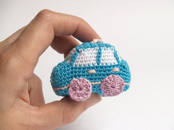 Sky blue crochet car amigurumi keychain light blue by SILAYAYA