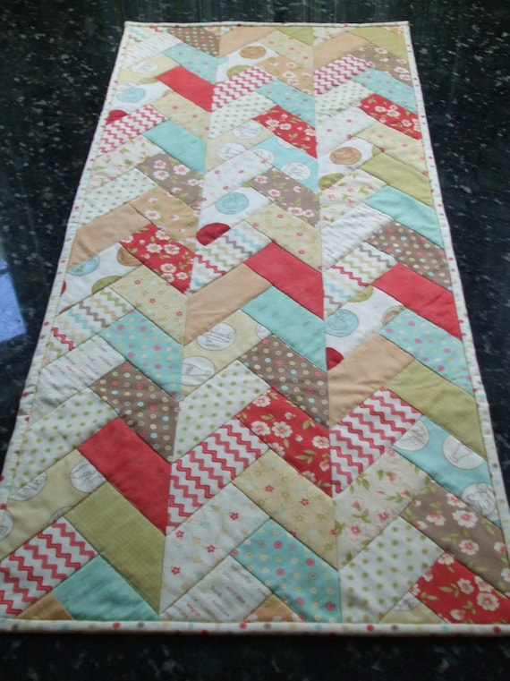 Braid Quilt Pattern Table Runner : Quilted Table Runner Friendship Braid Moda Whimsy
