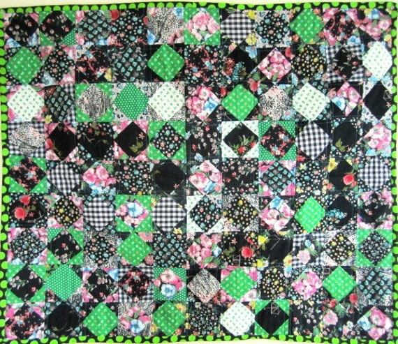 Patchwork Quilt Diamond Crib Wall Black Green Retro Vintage  - 33.5 x 39 Inches
