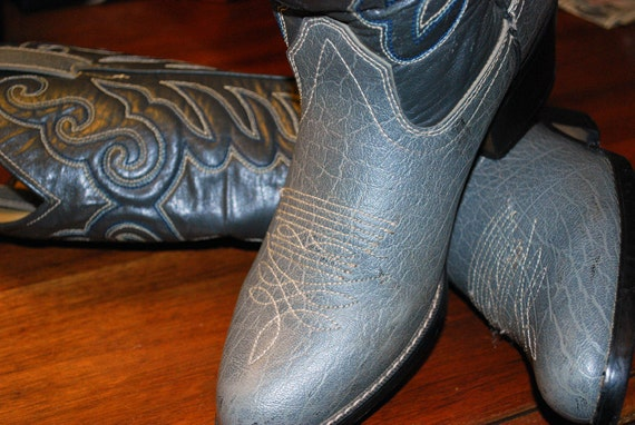 Vintage Men's / Women's Gray Cowboy Boots with Western Blue Stitching