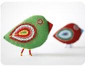 felt accesories red & green bird pin