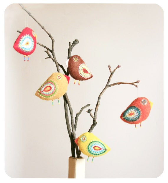 bird ornaments / nursery decoration / birds on branch
