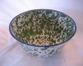 Vintage Green Swirl Splatter Graniteware Bowl