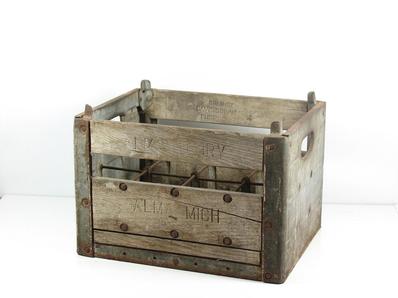 vintage wood metal milk crate alma dairy michigan. Black Bedroom Furniture Sets. Home Design Ideas