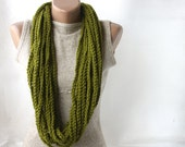 Green infinity scarf Wool chain necklace Crochet Autumn Fall Fashion Gift for mothers