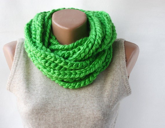 Green  chain scarf - crochet  infinity chunky  - winter spring accessories
