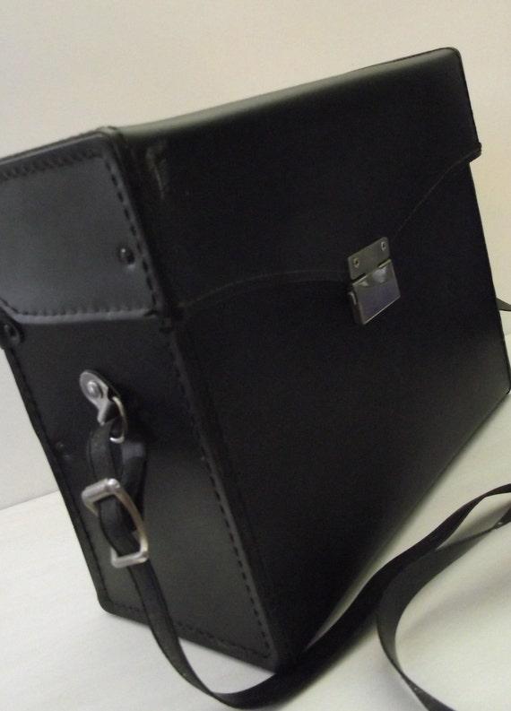 Reserved For Jamie      Vintage Black Leather Camera Case w Strap