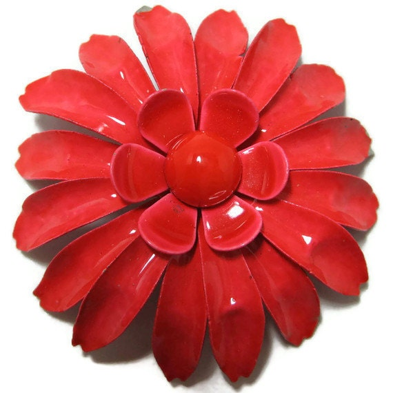 Dark Pink 70s Flower Brooch