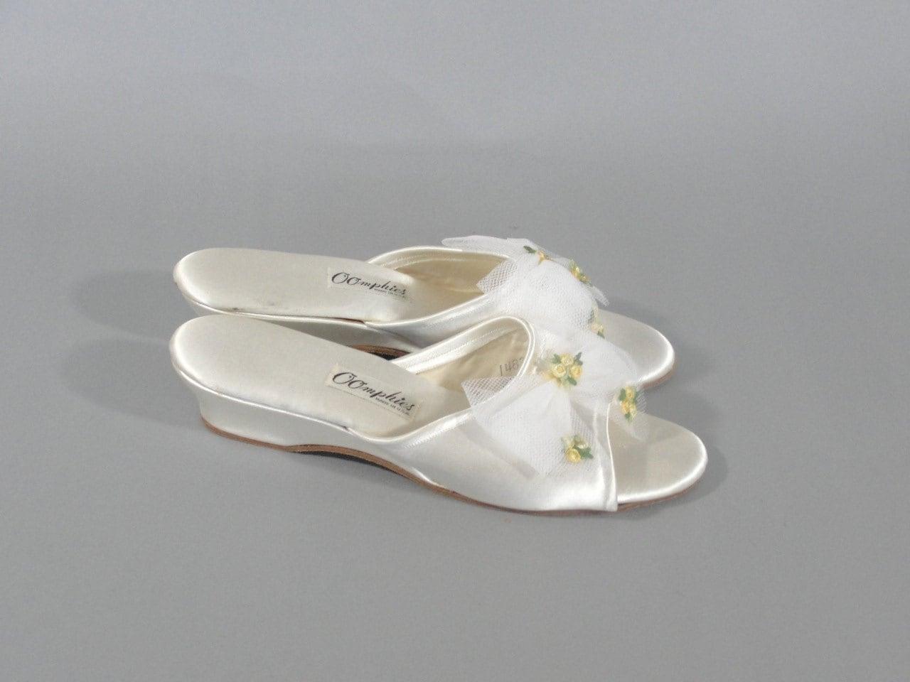 Vintage Oomphies Bedroom Slippers