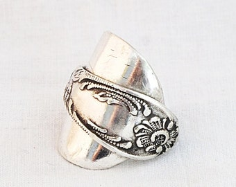 Russian Devushka whole spoon Ring - upcycled Russian Floral Filigree Whole Spoon Ring by Helen design