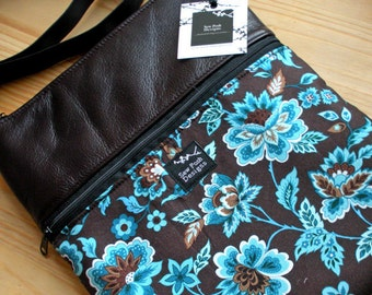 Espresso Brown Leather Retro Blue Flowers Fabric Ipad Kindle Travel Messenger Messenger Sling Crossbody Small Purse