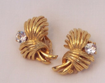 Lisner Vintage Rhinestone Fashion Golden Colored Earrings Clip On Jewelry Jewellry -vo