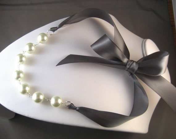 Pearl and Ribbon Necklace - Ivory and Pewter