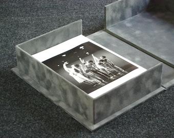 Clamshell Box Gray Velvet Flock