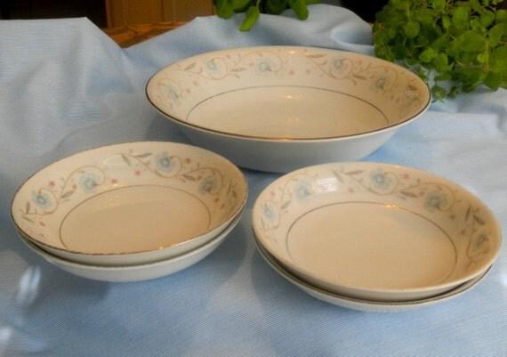 English Garden Fine China 1221 - Round Vegetable Bowl & 4 Fruit/Dessert/Sauce Bowls