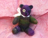 Felted Bear, Just a little bit noir...