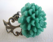 Sale -  Green Mum Filigree Ring - Free US Shipping - Jewelry by ZARDENIA