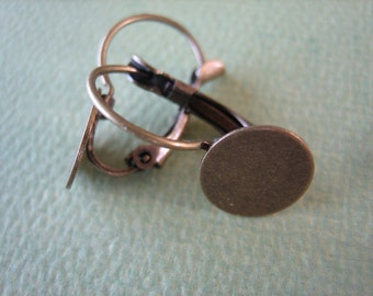 10PCS - Antique Brass Earring Blanks with Flat Round Pads - 10mm - Jewelry Findings by ZARDENIA
