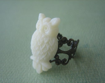 Vanilla Owl Ring - Antique Brass Adjustable Filigree Ring - Free US Shipping - Jewelry by ZARDENIA