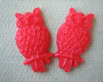 2PCS - Red - Resin Owl Cabochons - 25mm Matte Finish - Jewelry Findings by ZARDENIA