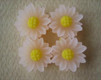4PCS - Mini Daisy Flower Cabochons - Resin - 9mm - Frosty Pink - Cabochons by ZARDENIA