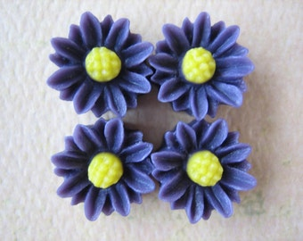 4PCS - Mini Daisy Flower Cabochons - Resin - 9mm - Violet - Cabochons by ZARDENIA