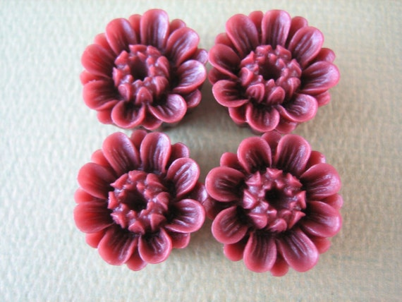 4PCS - Daisy Buttercup Flower Cabochons - 18mm - Burgundy
