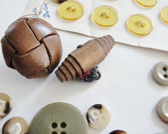 Vintage Brown Tan and Yellow tone Buttons, Plastic Buttons, Leather Buttons, Wood Buttons, Set of 29