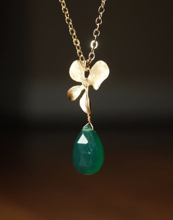 Green onyx and gold orchid drop necklace N38-GV3