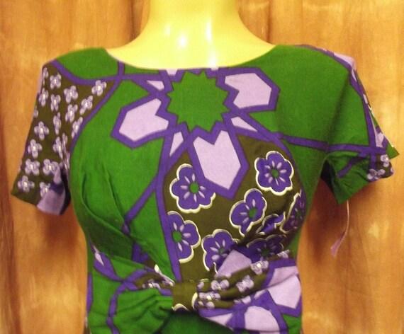 ON HOLD -  Beautiful  vintage hawaiian dress by Mildreds of Hawaii