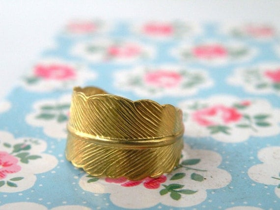CLEARANCE SALE-Gold plated adjustable feather ring
