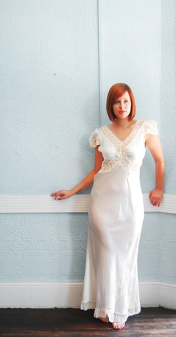 Vintage 1930s Ivory Nightgown - 30s Wedding Lingerie - Bias Cut Satin