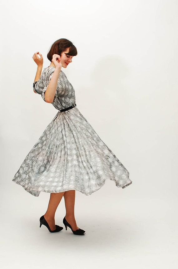 Vintage 1950s Party Dress - 50s Shirtwaist Dress - Abstract Silver Print