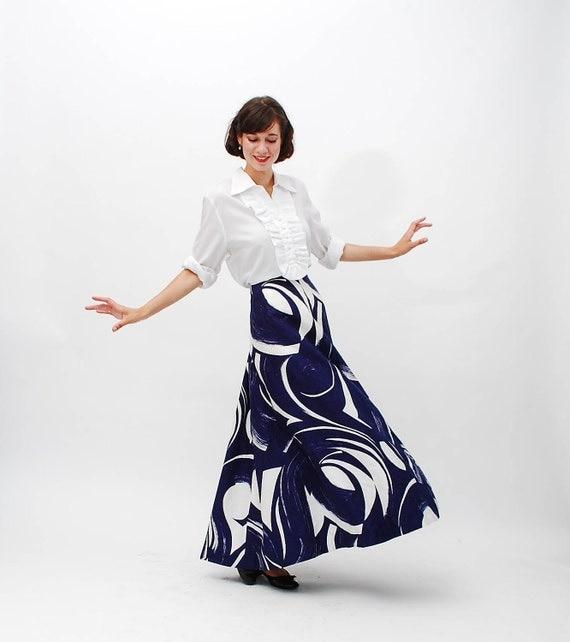 Vintage 1970s Maxi Skirt - 70s Long Skirt - Navy and White Brushstroke Print