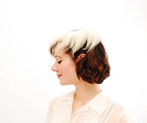 Vintage 1950s Fascinator - 50s Wedding Hat - Winter White Feathers