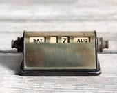 vintage perpetual desk calendar - no. 2