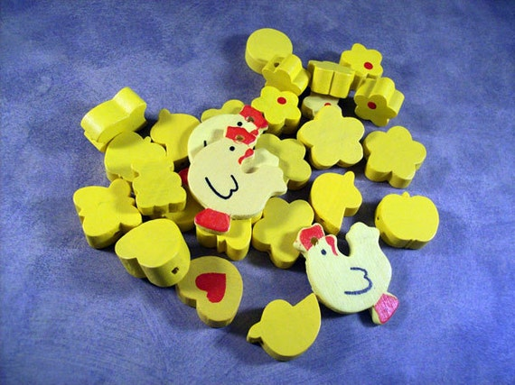 Critters-n-Bits Yellow Wood Bead Mix with Flowers, Chickens, Ducks, Fish, Apples