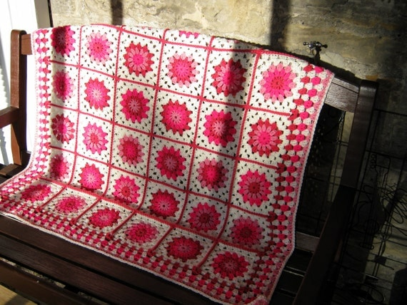 Happy Pink Posy Crochet Granny Blanket Afghan Sofa Throw Vintage Style